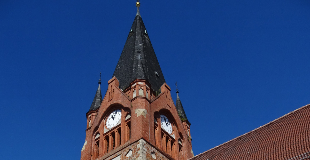 Turm von St. Albanus Schkeuditz - hier noch ohne Gerüst