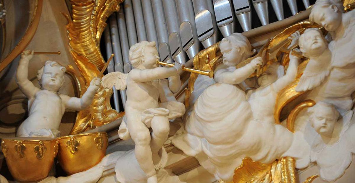 Musizierende Engel an der Clemenskirche in Münster