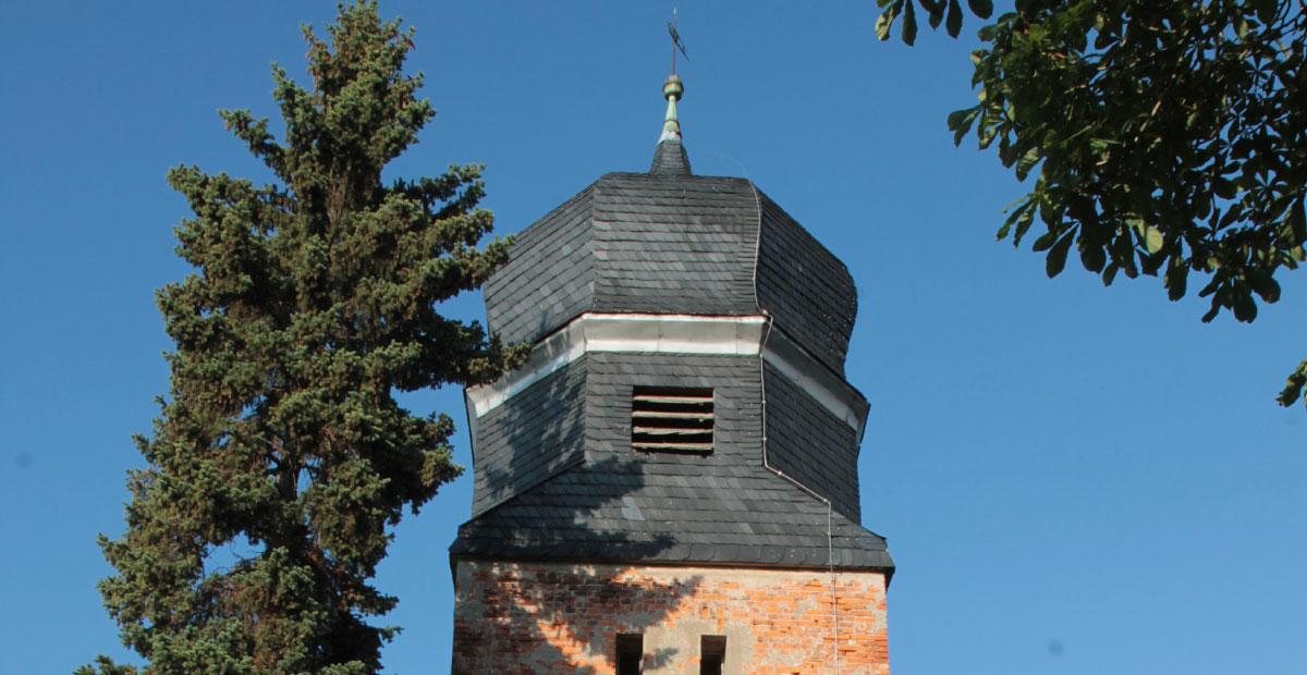Dorfkirche Frauenhorst (Brandenburg), 2017 und 2010 von der KiBa gefördert