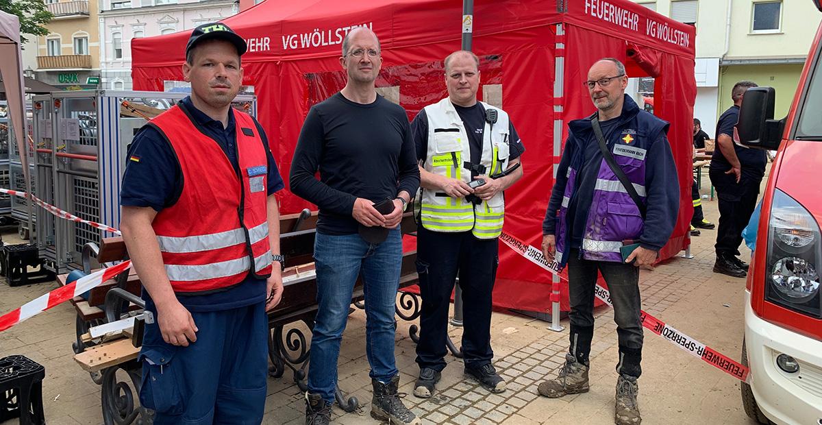 Bad Neuenahr: Präses Latzel mit Einsatzkräften von THW und Feuerwehr