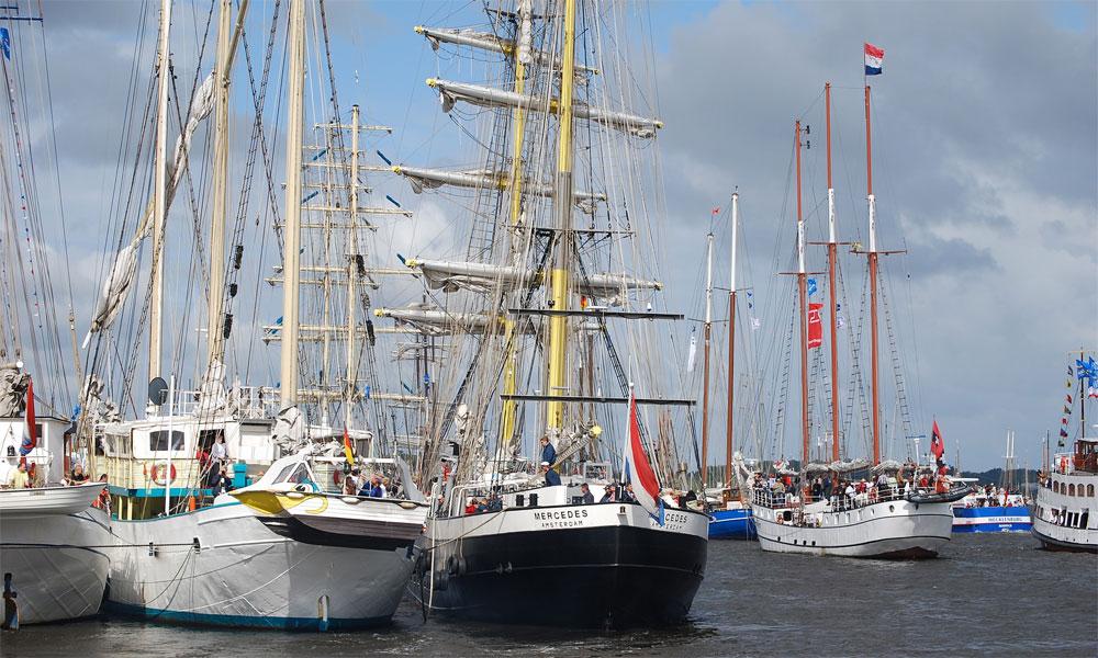 Segelboote%20und%20-yachten%20im%20Hafen%20Warnem%C3%BCnde