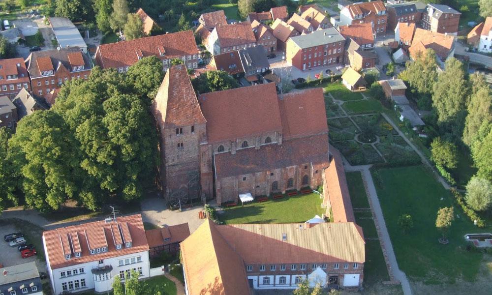 Kirche%20Rehna%20%28Landkreis%20Nordwestmecklenburg%29