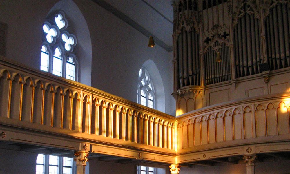 Oktober%3A%20Opitz-Orgel%20%281878%29%20in%20der%20Christuskirche%20Rositz%20%28Th%C3%BCringen%29