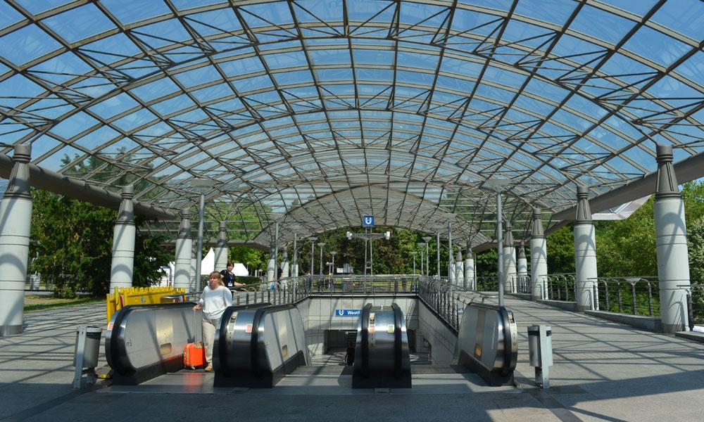 Noch%20ist%20an%20der%20U-Bahnstation%20Westfalenhallen%20nichts%20los.%20Das%20wird%20sich%20bald%20%C3%A4ndern.